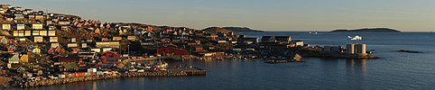 Upernavik evening panorama 2007-08-08 cropped sharpened.jpg