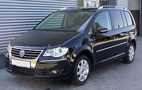 VW Touran 2.0 TDI DSG Highline Deep Black.JPG