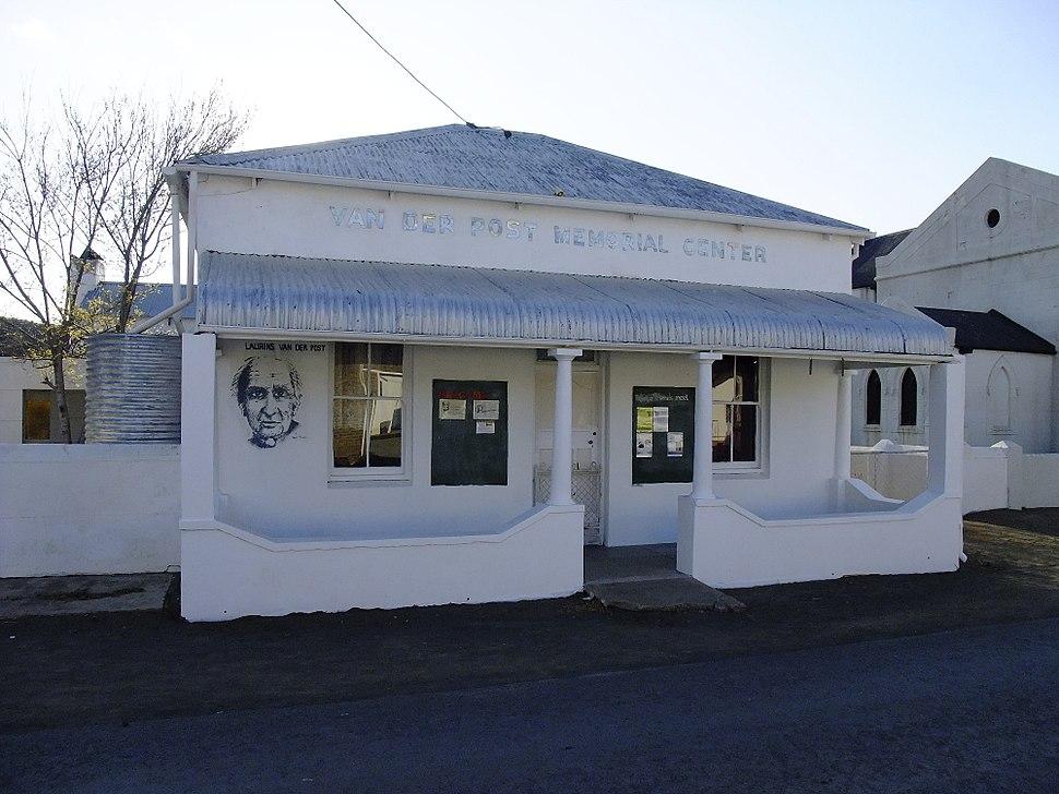 Van der Post Memorial Center - Philippolis-001