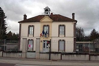 Vert, Yvelines - Town hall