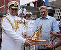 Vice Admiral Anil Chopra presenting a memento to Defence Minister Manohar Parikkar.JPG