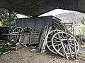 Vieux objets entreposés dans un hangar de la rue des Andrés à Saint-Maurice-de-Beynost, Ain, France - 4.jpg