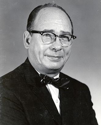 Vincent Ellis McKelvey - McKelvey as Director of USGS, 1971