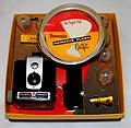 Vintage Kodak Brownie Hawkeye Camera Flash Outfit, No. 177K, Made In USA, Circa 1950s (35681386515).jpg