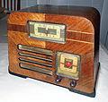 Vintage Philco Transitone Clock Radio, PT-69, Circa 1940 (8628901558).jpg