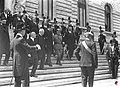 Vittorio Emanuele III esce da Palazzo Montecitorio.jpg
