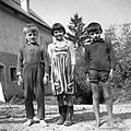 Vsakdanja otroška noša, Drašiči 1965.jpg