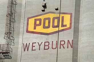 Weyburn - Image: Weyburn POOL (126040461)