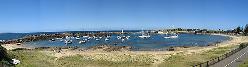 A panoramic view of Wollongong Harbour, New So...