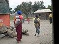 Women carrying children, Boma La Ngombe.jpg