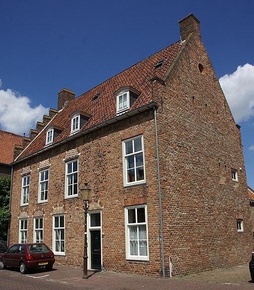 Woudrichem - rijksmonument 39584 - Molenstraat 2 20120630