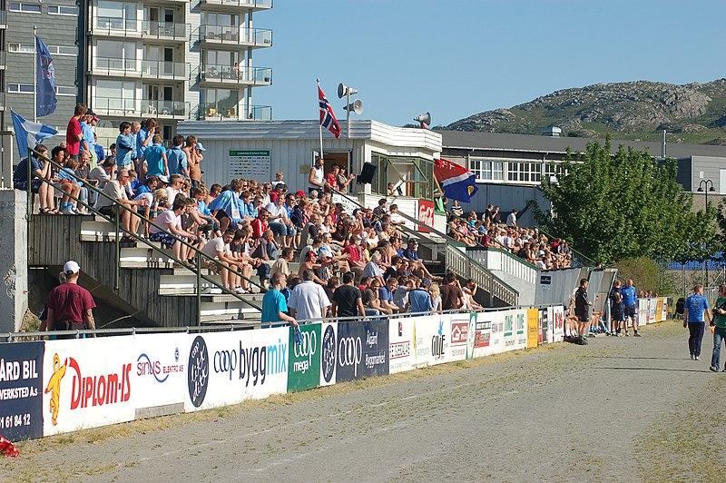 Fil:Ålgård stadion2.jpg