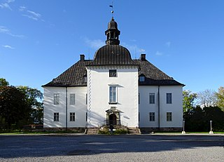 Årsta Castle Årsta with roots in the Middle Ages has been the main yard of the German Orders Swedish soil holdings. The current building was built in 1660-1667.