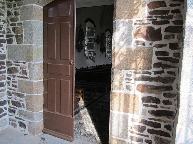 Saint-Pierre-de-Cresnays >> oui, l'église était toutefois fermée