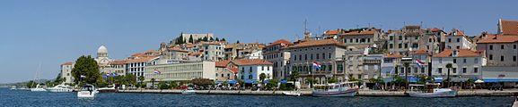 Šibenik harbour - panorama.jpg