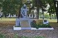 Братська могила борця за встановлення радянської влади, радянських воїнів та пам'ятник воїнам-землякам у селі Локня 59-241-0055.jpg