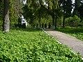 Вид на памятник на окраине Алабушево.jpg