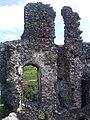 Найвища стіна колишньої середньовічної фортеці Канків.jpg