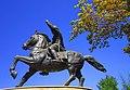 Скулптура на Питу Гули од друг агол , Скопје.jpg