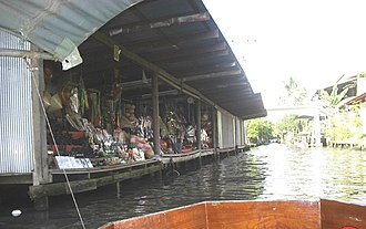 Tourism in Bangkok - Shops along the canal