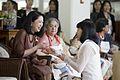 นางพิมพ์เพ็ญ เวชชาชีวะ ภริยา นายกรัฐมนตรี นำคู่สมรสผู้ - Flickr - Abhisit Vejjajiva (14).jpg