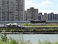 從新店溪左岸河濱自行車道拍攝對岸的馬場町紀念公園。 - panoramio.jpg