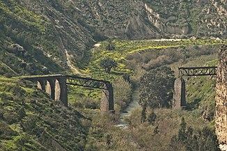 Zerstörte Brücke über den Jarmuk