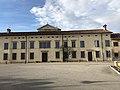 0444 Villa Merlo Dragoni Lovaria.jpg