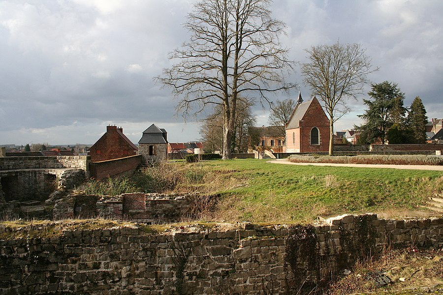 Binche (Belgium), the park, the ruines of the former castle and the Saint Andrew's chapel (1537-1613).