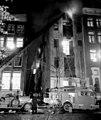 10-10-1950 08324 Brand op de Oudezijds Achterburgwal (4072257386).jpg