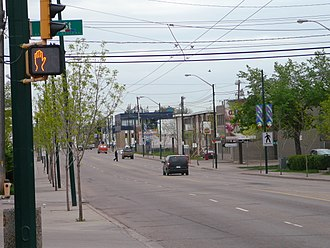 107 Avenue, Edmonton - 107 Avenue in the neighbourhood of Queen Mary Park (May 2008).