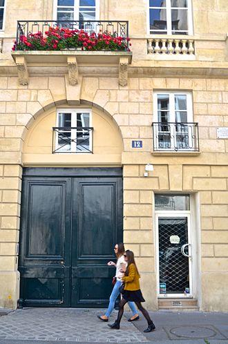Sylvia Beach - Image: 12 Rue Odéon, Paris May 2014