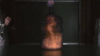 File: 15.  Ослободување на големо количество енергија при согоровуање етанол.webm