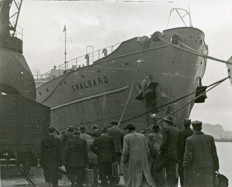 1948 Svalbard - bow.jpg
