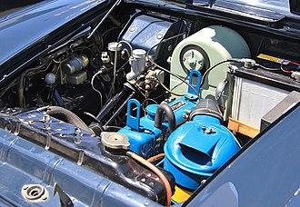 Nissan Bluebird - 1959 Datsun 1000 211 engine