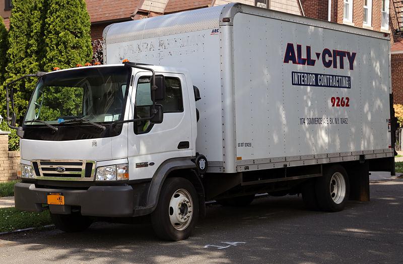 800px-2006_Ford_LCF_box_truck.jpg