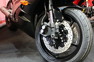 Sport bike - Dual front disc brakes with four piston radial calipers on a Yamaha YZF-R6.