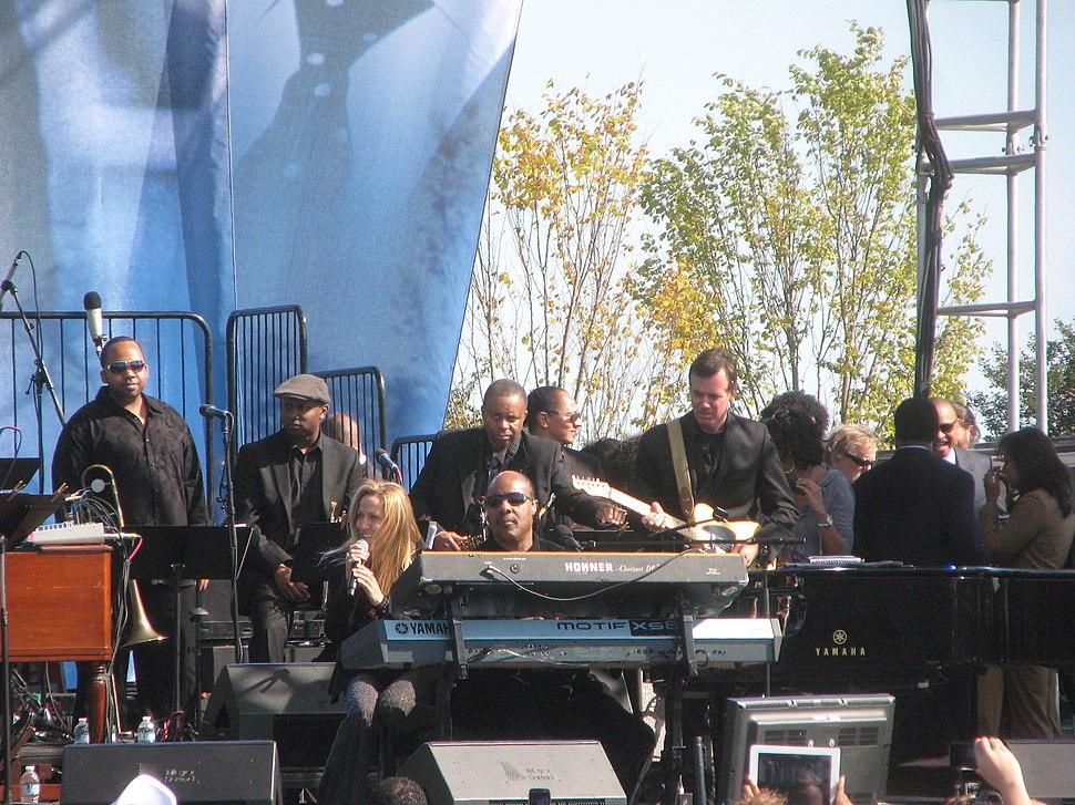 20111016 Sheryl Crow and Stevie Wonder at the MLK Memorial dedication concert.jpg