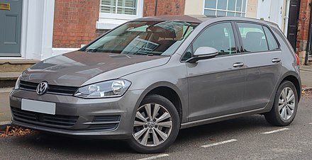 The seventh generation Volkswagen Golf 2013 Volkswagen Golf SE BlueMotion Technology 1.4 Front.jpg