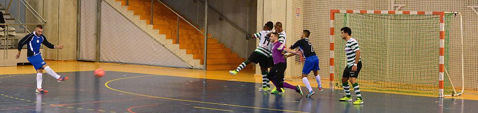 2015-02-28 17-21-28 futsal.jpg