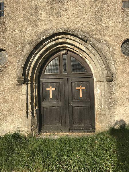 Porte d'entrée de l'église Saint-Cierge de Saint-Cierge-la-Serre=, dans l'Ardèche, en France.
