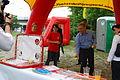 27.06.2009 Werner Faymann auf dem Wiener Donauinselfest (3670535633).jpg