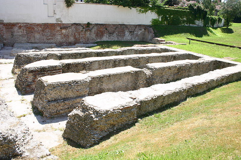 File:4194 - Milano - Ruderi dell'Arena romana - Foto Giovanni Dall'Orto 14-July.2007.jpg