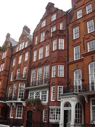 Sussex House School - Image: 68 Cadogan Square 07