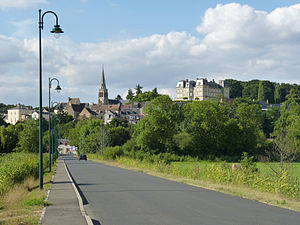 Montfort-le-Gesnois - The road into Montfort-le-Gesnois