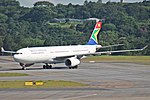A330-300 SOUTH AFRICAN SBGR (32924691032).jpg