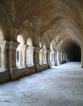 Helsreach ne peut tomber tant que les Black Templars la défendront. 170px-Abbaye_de_Fontenay_-_le_cloitre