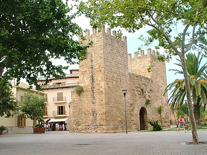 How to get to Alcúdia with public transit - About the place