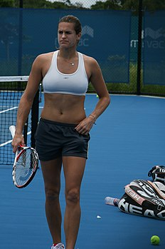 Amelie Mauresmo at the 2009 Brisbane International.jpg