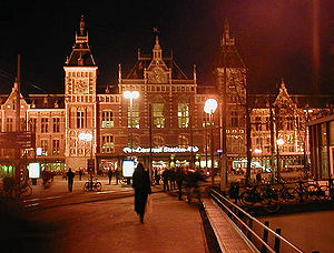 Amsterdam Centraal station - Amsterdam Centraal station at night